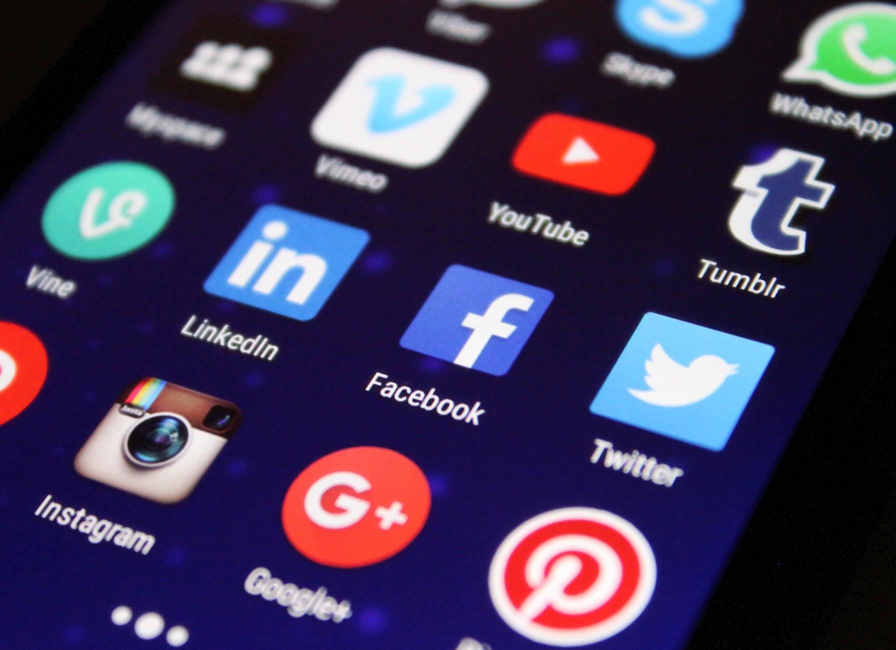 סכנות באינטרנט – אילו הסכנות שאורבות לילדכם